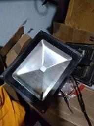 Vendo 2 refletores colorido de 50 wats
