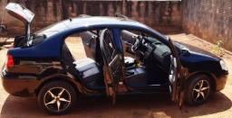 Vendo o Polo sedã 1.6 ano 2011/12