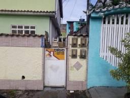Casa em Itacuruçá térrea e fundos mobiliada.