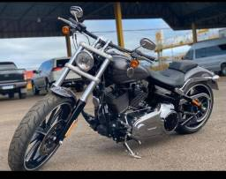 Harley Breakout 2015