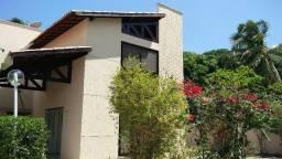 Aluga-se Casa em Condomínio Fechado - Lagoa Redonda