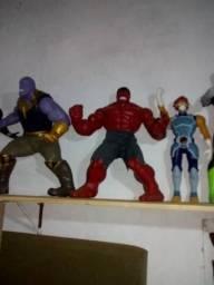 Bonecos colecionáveis Marvel, DC, etc