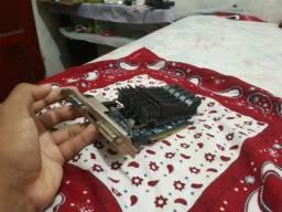 Vendo placa de video geForce 210 2gb