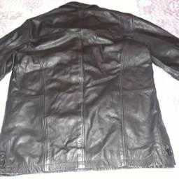 Jaqueta de couro legítimo masculina tamanho 50 original semi nova sem  nenhuma avaria 85323a6eaee