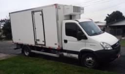Iveco daily 70c17 ( 7 TON ) 2013 refrigerada com serviço ou só o caminhão