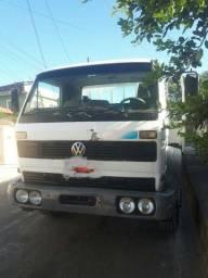 Caminhão toco carroceria 12140