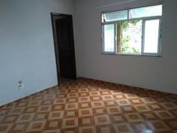 Alugo Casa no bairro do Catete .