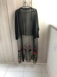 Tunica bordada em tule preta rosas