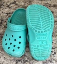 Sandália Crocs Infantil Classic Clog verde 24/25