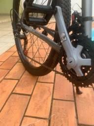 Vende- se bicicleta seminova