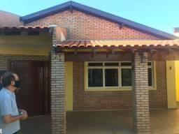 Vendo casa em excelente localização
