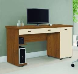 Mesa pra computador ariel