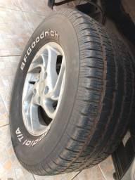 Roda 15 5 furos da ranger com pneus BF