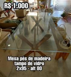 Mesa madeira maciça e vidro