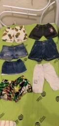 Diversas roupas femininas infantis