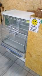 Balcão expositor bolos refrigerado