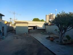 Vendo casa em bairro central de Sete Lagoas- MG. (Pego apartamento)