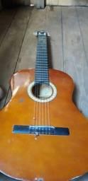 Vendo esse violão ainda ta bom e só reformar