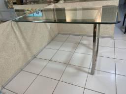 Mesa de vidro e pé  de inox