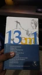 Vendo esses dois livros da constituição Federal