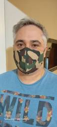 Máscaras em tricoline.