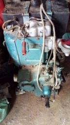 Vendo ou troco motor de centro a diesel partida eletrica