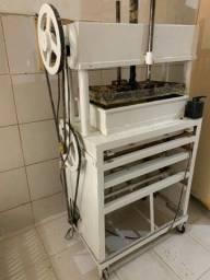 Máquina de fabricar tarecos