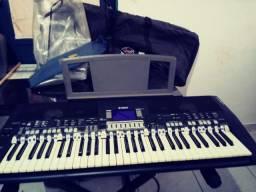 Teclado eletrônico Yamaha PSR S550 novíssimo na caixa