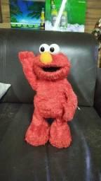 Boneco Elmo vila sésamo