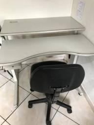 Mesa para computador + cadeira giratória