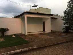 Alugo casa em condomínio fechado-029