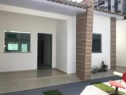 Casa no Pq 10- 3 quartos- 2 vgs de garagem- prox. Ao mindu