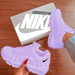 Tênis da marca Nike todos na etiqueta original promoção