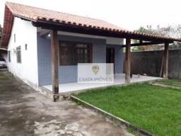 Casa linear em terreno inteiro, Centro de Rio das Ostras.