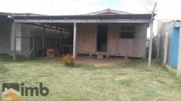 Ótima casa muito bem conservada c/pouco uso, localizada na praia de Bal.Pinhal.