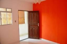 Casa em Paripe R$500,00 (Sala, Cozinha, 1 Quarto, Banheiro, Garagem e Área de serviço)