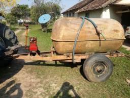 Carreta tanque/pulverizador 2 mil litros