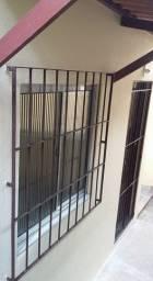 Aluga-se casa 2/4 pintada e gradeada no Queimadinho
