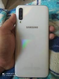 SAMSUNG GALAXY A50 128 GB COM 1 ANO DE GARANTIA !!
