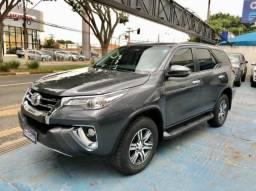 Toyota Hilux Sw4 SRV 7 LUG 4P