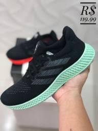 Tênis Adidas pra Caminhada Várias  Cores