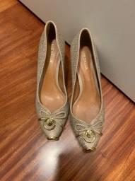 Sapato semi novo Luz da Lua