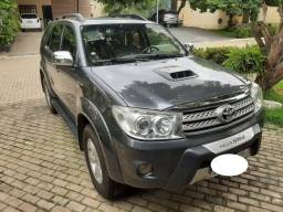 Toyota Hilux SW4 SRV 3.0 4x4 AT 2010