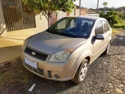 Fiesta Sedan 1.6 Completo