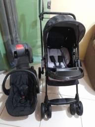 Carro, bebê conforto e base