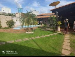 Casa com piscina pra locação