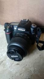 Nikon D90 + lente 18-55mm
