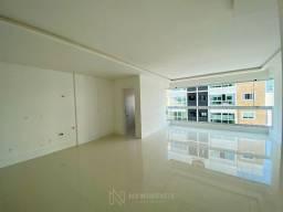 Apartamento Novo com 3 Suítes e 2 Vagas no Centro de Balneário Camboriú