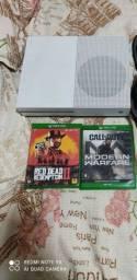 Xbox One S de 1 Tera e um controle e 2 jogos