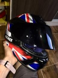 Vendo ou troco capacete axxis novo